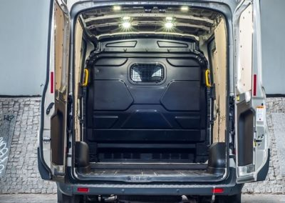 Nowy_Ford_Transit_1